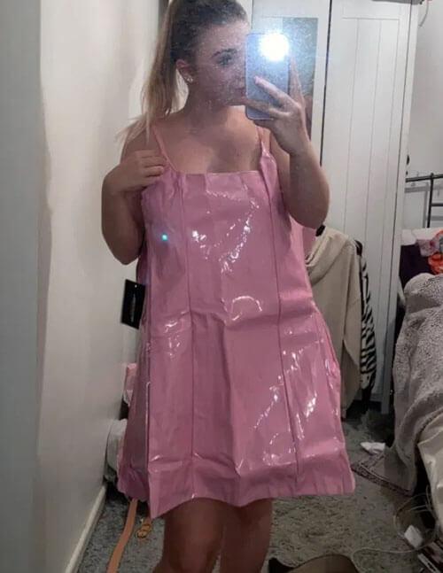 розовый пластиковый пакет