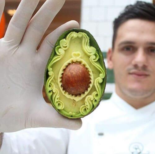 авокадо талантливого скульптора