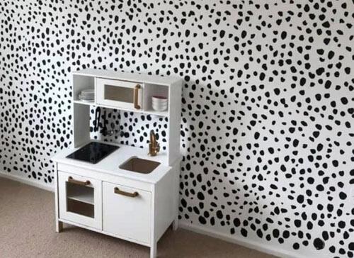 недорогой дизайн в комнате