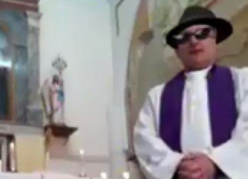 выступление священника с фильтрами