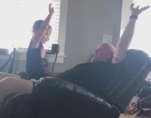 опасная игра отца с дочерью