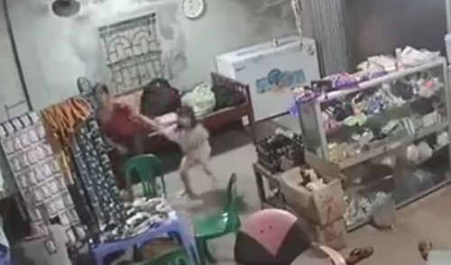 вентилятор упал с потолка