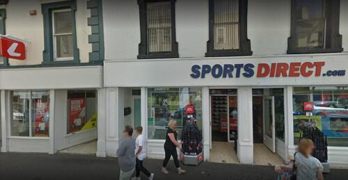 магазин закрылся из-за змеи