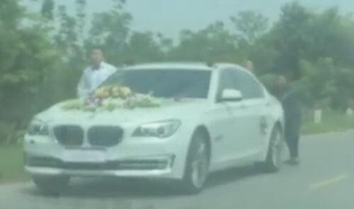 в свадебной машине кончился бензин