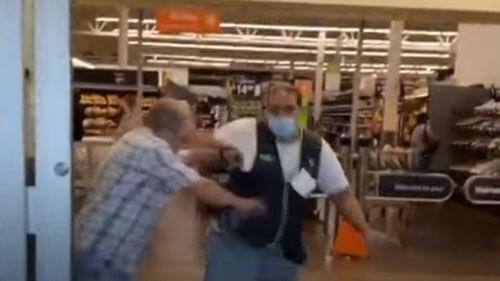 злой покупатель без маски