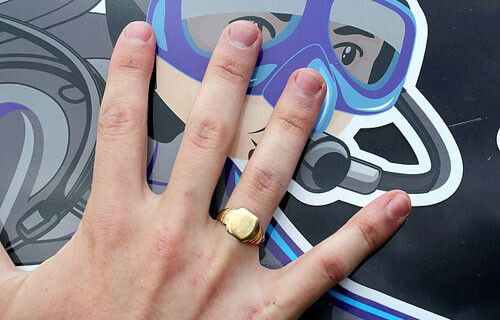 кольцо упало в озеро