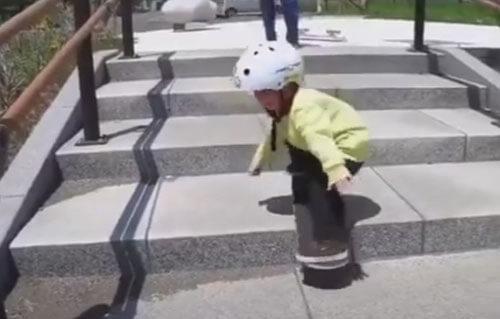 трюкач не разлюбил скейтборд