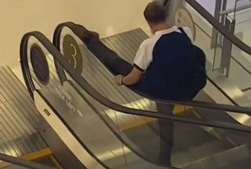 странная поездка на эскалаторе
