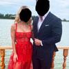 красное платье свадебной гостьи