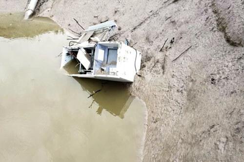 фермер нашёл банкомат в пруду
