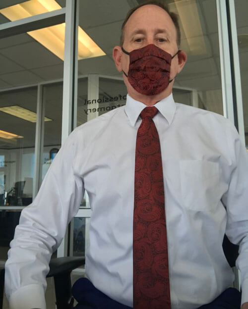 маски под цвет галстуков