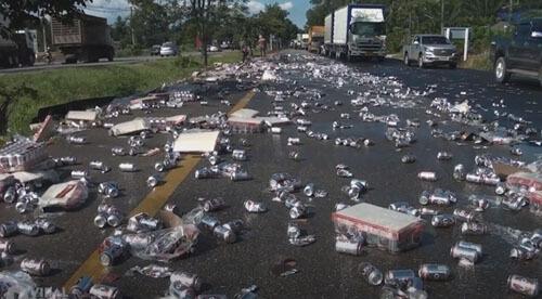 грузовик растерял пиво