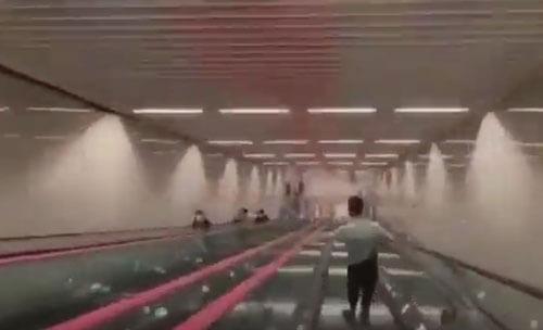глубокая станция метро
