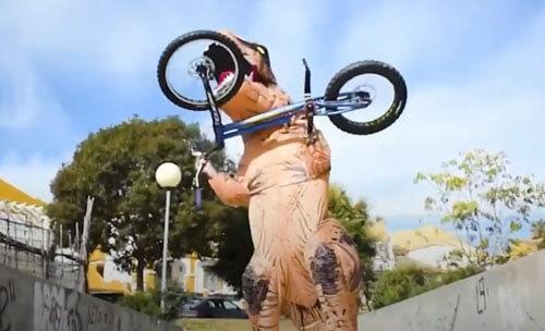 велосипедный трюк динозавра