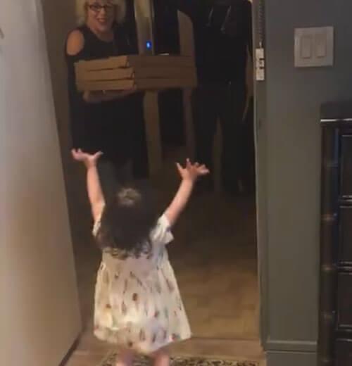 доставка пиццы для девочки