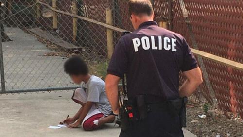 полицейский помог аутисту
