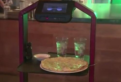 робот-тележка в ресторане
