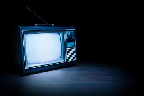 старый телевизор вызвал помехи