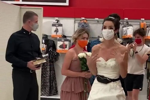 the bride came to the groom to work
