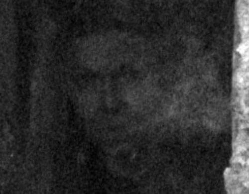 на старом кладбище живёт призрак
