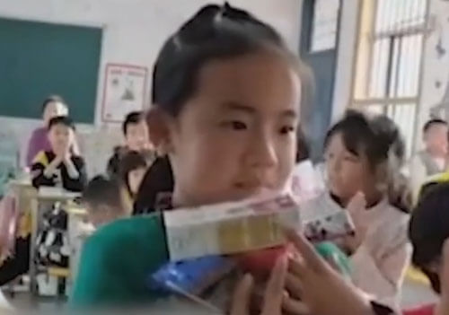 подарки ошеломили школьницу