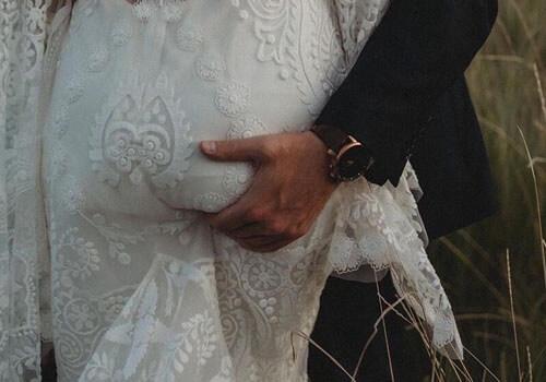 фотография с нескромным женихом
