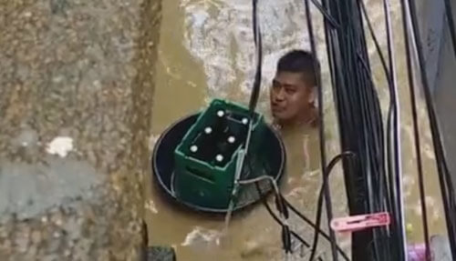 за пивом во время наводнения