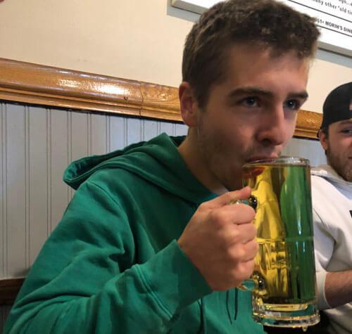 первое в жизни пиво именинника