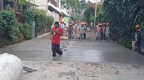 хождение по влажному бетону