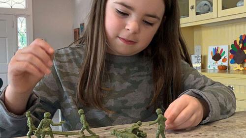 игрушечные солдатики-женщины