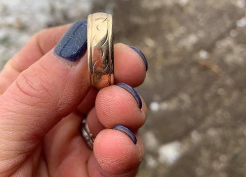 покупатель потерял кольцо