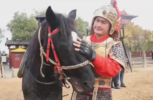 the actor constantly falls off the horse