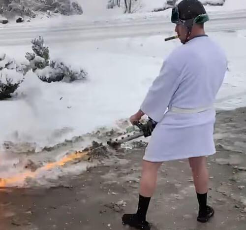 чистка снега огнемётом