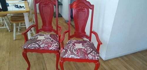 добряк подновил стулья