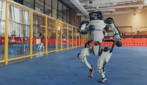 жутковатые пляшущие роботы