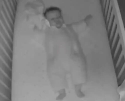 ничего лишнего в кроватке ребёнка