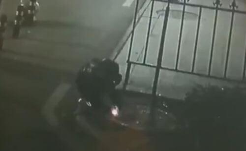 петарда в люке привела к взрыву
