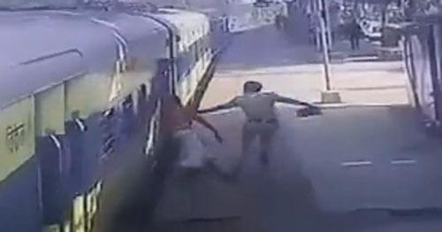 пассажир не успел на поезд