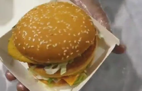гамбургер превратился в мороженое