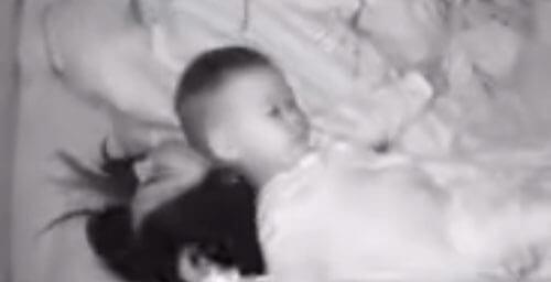 мама не выспалась из-за ребёнка