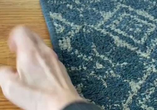 орехи против поцарапанного пола