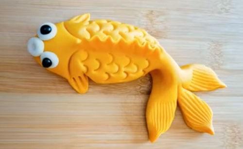 булочка в виде рыбы