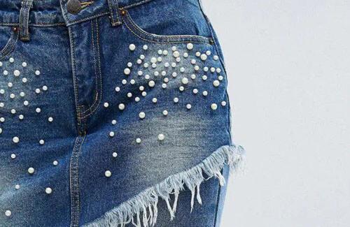 джинсы объединили с юбкой