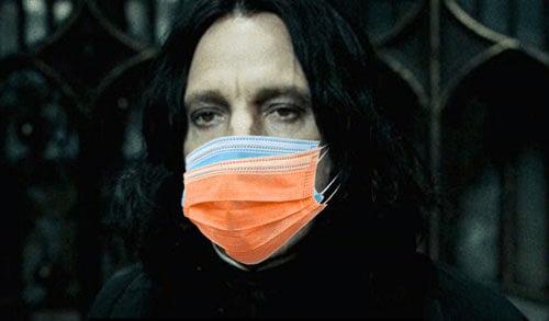 колдун надел две маски
