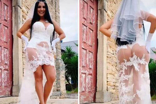 прозрачное платье и стринги