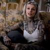 мама не стыдится татуировок