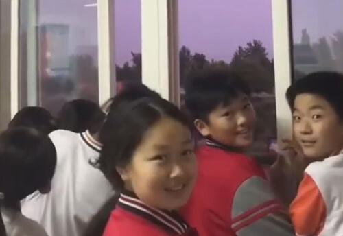радуга сорвала занятия в школе