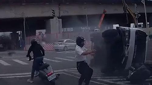 мужчина разминулся с грузовиком