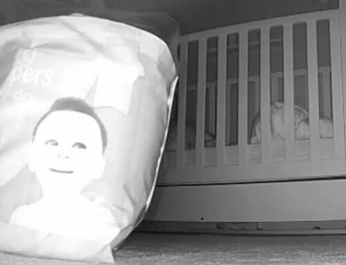 лицо на упаковке подгузников