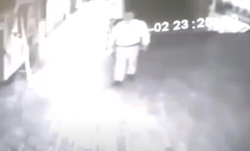 на охранника напал призрак